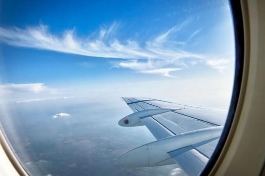 particolare di oblò aereo
